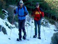 caminantes por la nieve