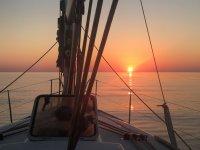 Atardecer en aguas del Mediterraneo