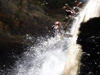 Descendiendo la cascada del barranco
