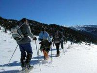 Recorre Andorra con raquetas de nieve