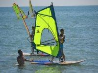 Windsurf per l'apprendimento dei bambini