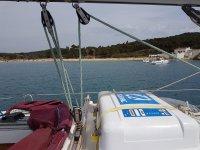 从船上查看海滩