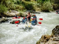 Rafting en grupo con instructor