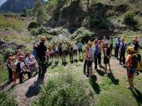 解释的铁索攀岩爬铁索攀岩监视器