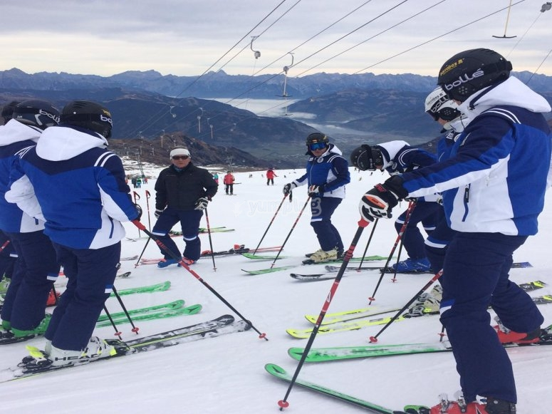Skiing school in La Molina