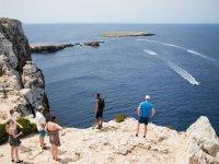 Parada para contemplar el Mediterraneo