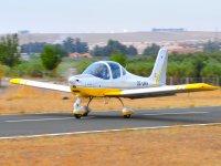 超轻型飞机冒险开始了