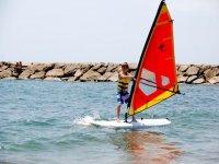 先进技术风帆课程,在最好的帆板Aprenderas