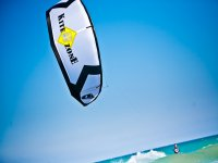 在瓦伦西亚首都的风筝冲浪