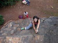 Sube por las rocas como una lagartija