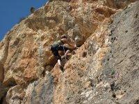 Escalando en el monte