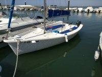 Sailboat rental in El Terron