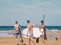 Con el equipamiento camino al mar