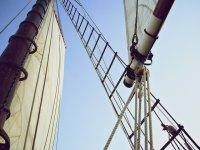 帆船之旅在瓦伦西亚的帆船上