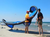 风筝冲浪风筝准备投掷水天堂