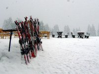 Ski equipment and tables