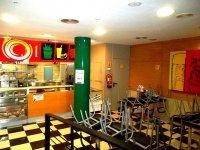 zona de cafeteria para padres