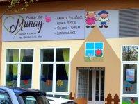 Fachada de la escuela Munay