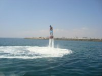 Volando por encima del mar