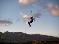 La zip line salta a Olván a 150 metri