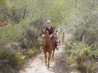 Montando a caballo en formentera
