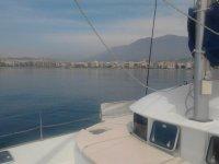 从甲板上欣赏海岸风景