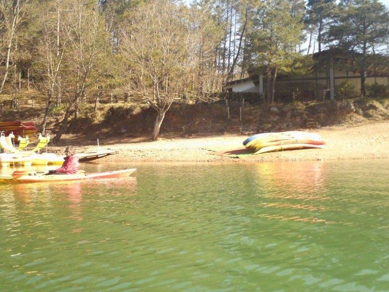 Canoe in acqua