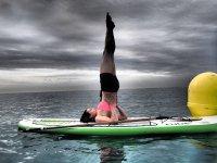 在海上和副瑜伽课