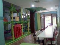 Mesa para padres junto a actividades