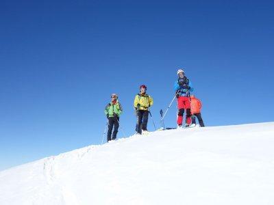 Grupo Explora Casteret Raquetas de Nieve