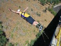 High Jumping de cabeza con agarre a los tobillos en Buitrago