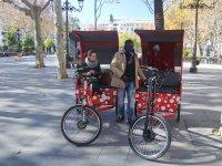 Tuc Tuc en parque de Sevilla