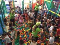 Celebration in Las Palmas ball pool