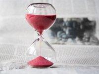 Reloj de arena de color rojo