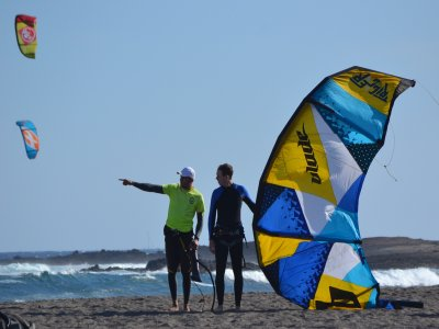 30 Nudos Kite School