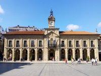 Plaza del ayuntamiento asturiano