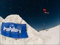 在Gran Pallars练习单板滑雪
