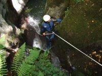 血统登山运动登山运动的峡谷溪降