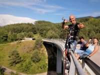 Bungee jumping on Saldes bridge