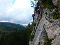 Siente el vertigo en las rocas del Empalomar