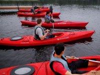 Navegando en kayaks individuales