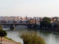Vistas del puente de Triana