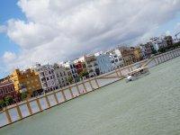 Vistas desde un barco en el Guadalquivir