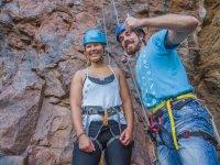 Revisando las cuerdas de la escaladora