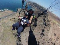 在加那利群岛在海上滑翔伞