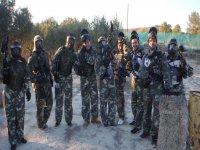 Grupo de jugadores con el equipo puesto