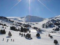 Esquiadores en granvalira