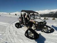 Vehiculo para circular por la nieve