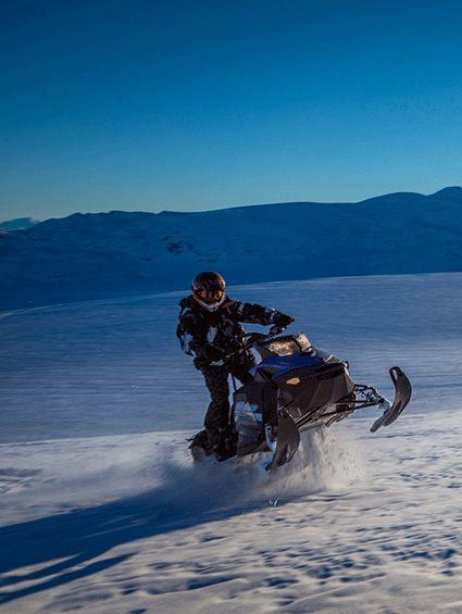 雪上摩托車