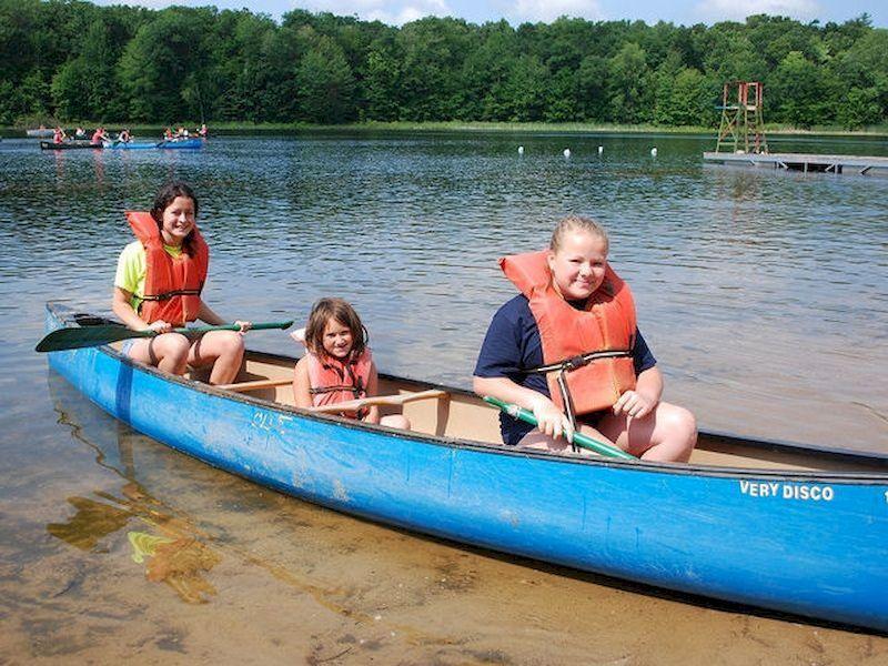 Vous pouvez profiter de la balade en canoë en famille